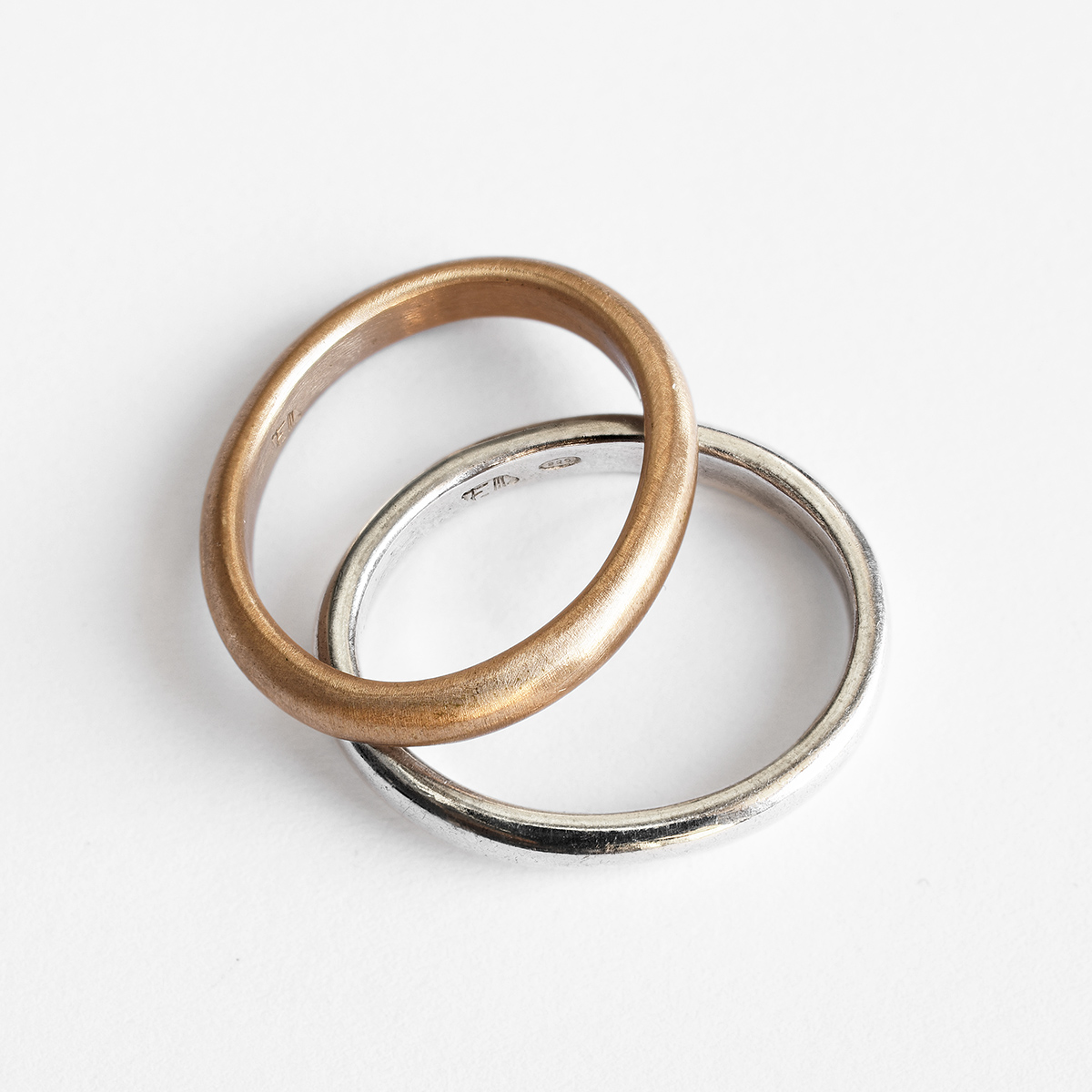 27 - Oval -ring - bronze silver, gold